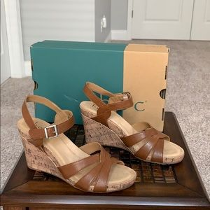 b.o.c Apple Cork Wedge Sandals